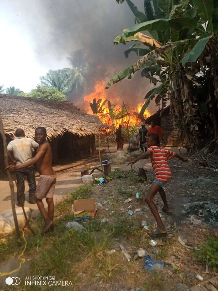 Fire outbreak in fishing settlement Akwa Ibom 1